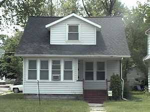 Duplex in Lansing