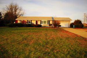 Single Family House in Ionia