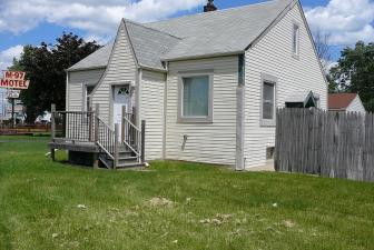 Commercial Building For Sale in Fraser Michigan